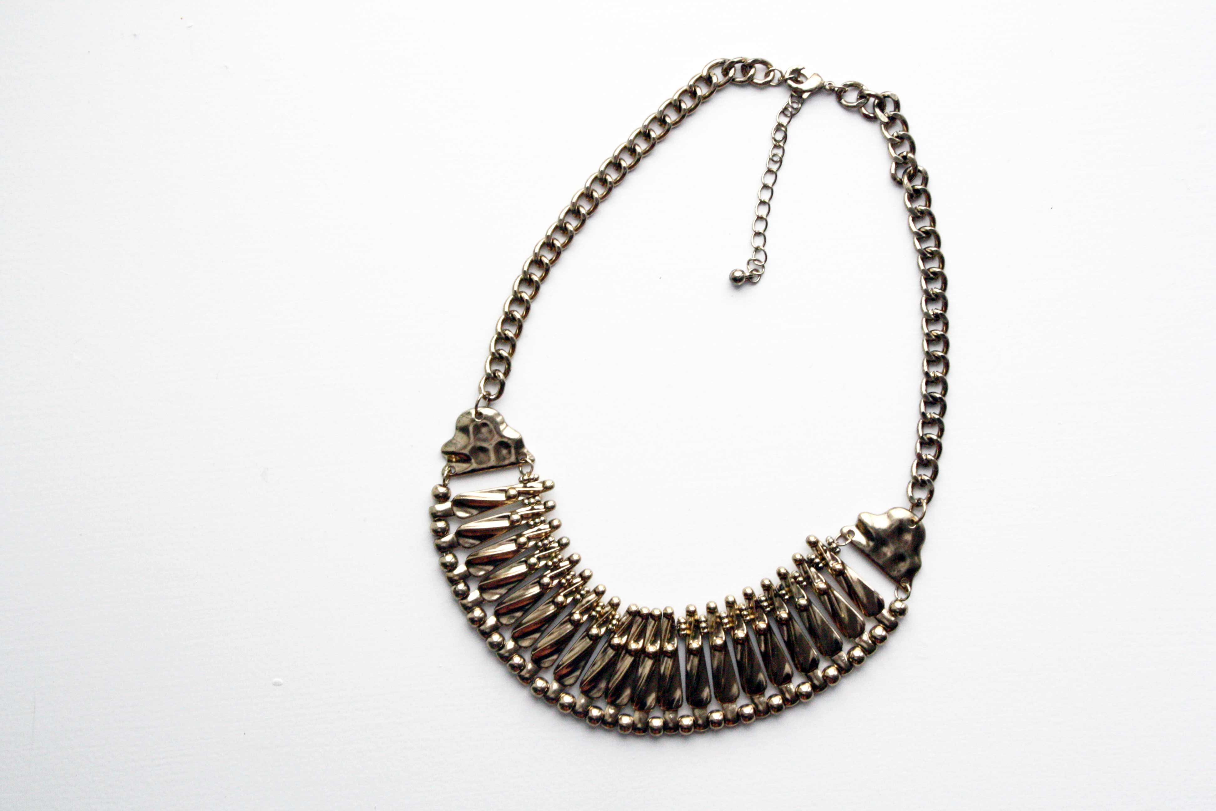 New in // Oversize gold necklace